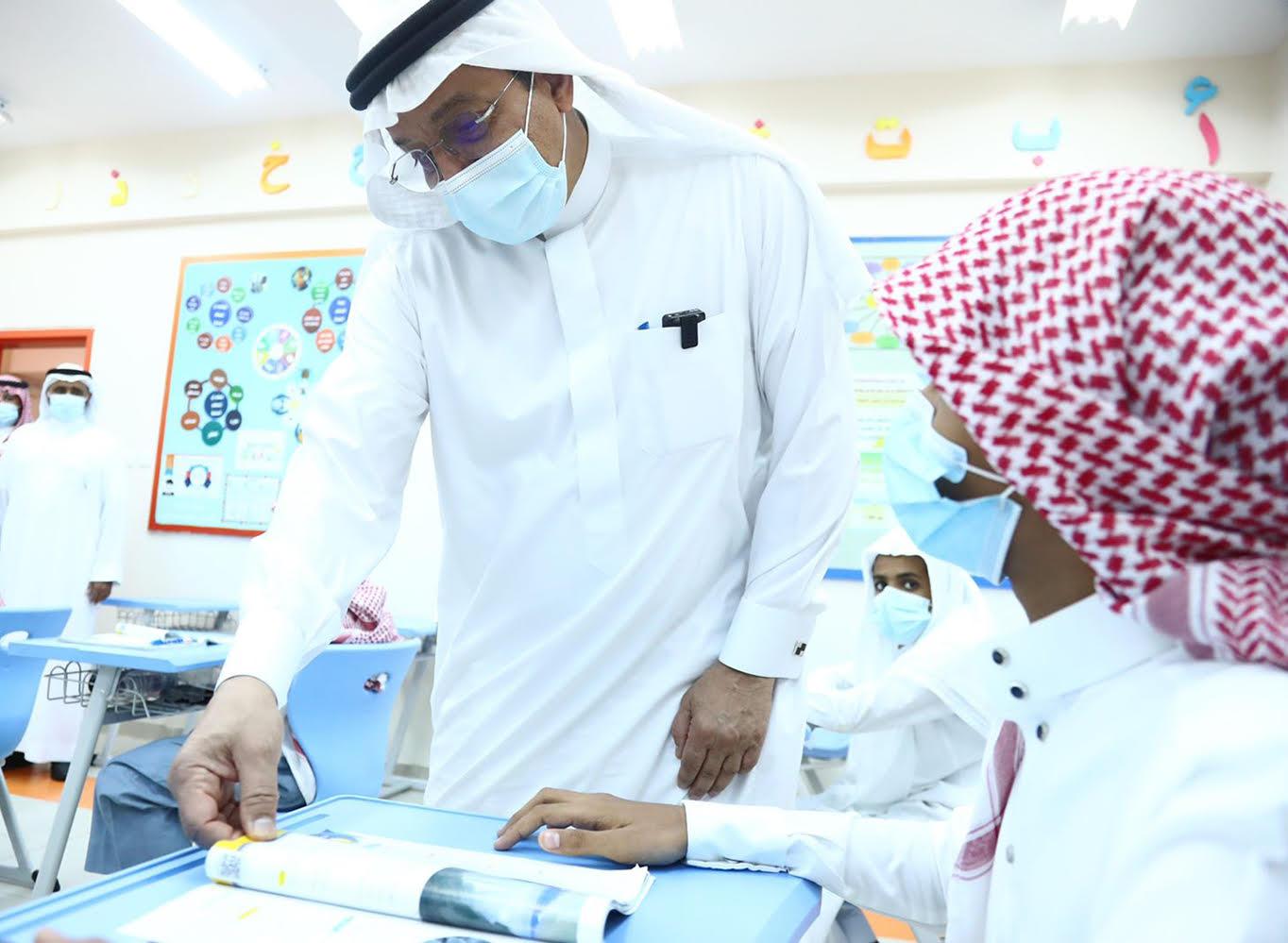 جولة وزير التعليم لمجمع الأمير فيصل بن عبد الله التعليمي التابع للإدارة العامة للتعليم بمنطقة جازان